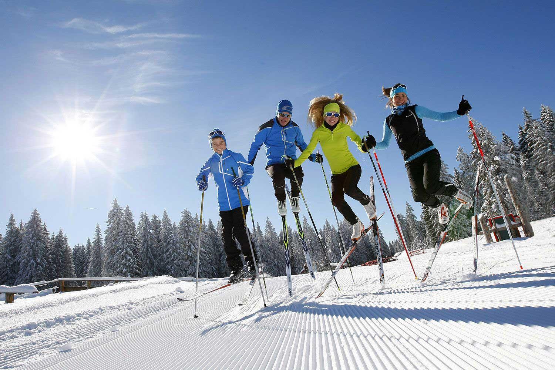ski-de-fond-en-claree-soleil
